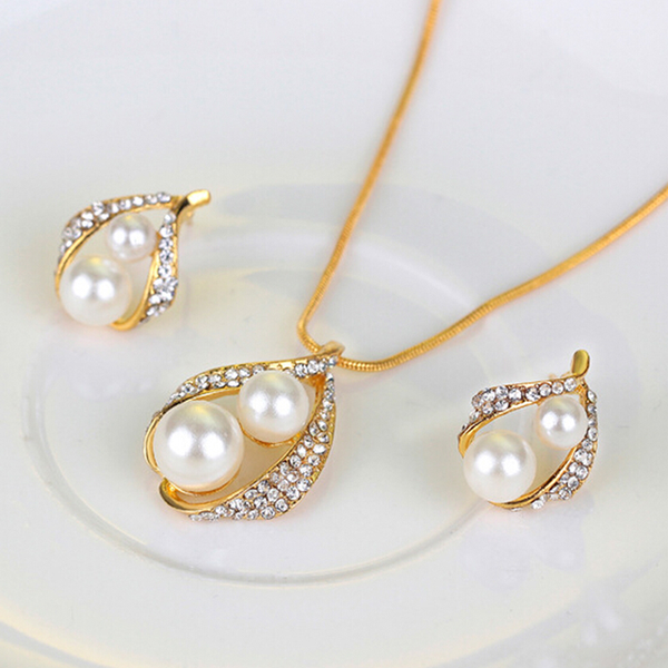 Bridal wedding party jewelry set crystal pearl necklace earrings