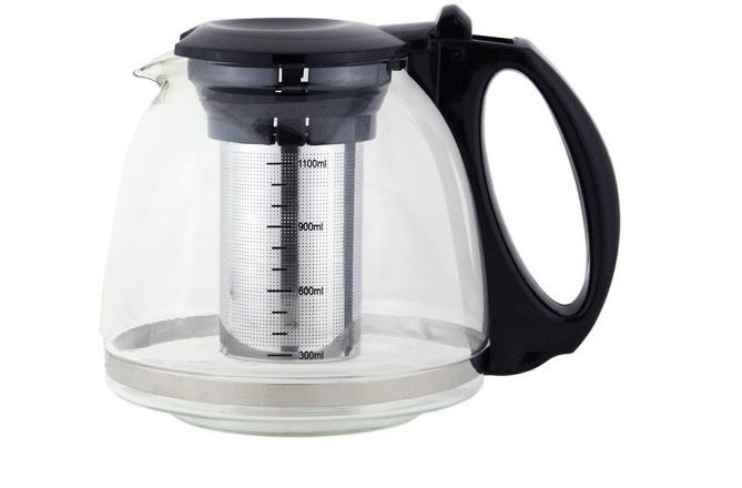 Teapot with stainless steel strainer