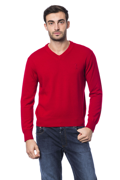 Pullover red hobie billionaire man