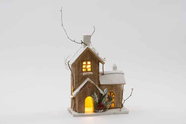 Wooden Winter Effect Christmas Decoration House With 10 LED Gift