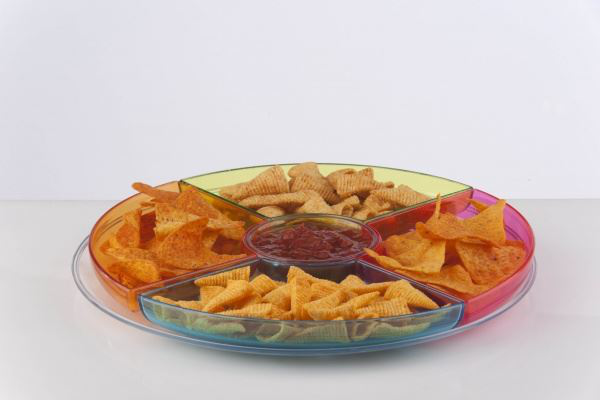 Round chip and dip tray for serving snacks chips