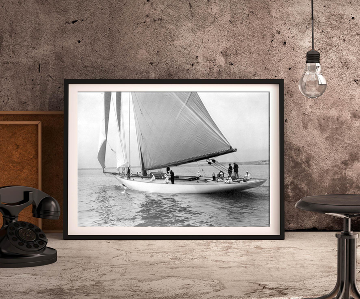 Poster yacht resolute 100×140 cm